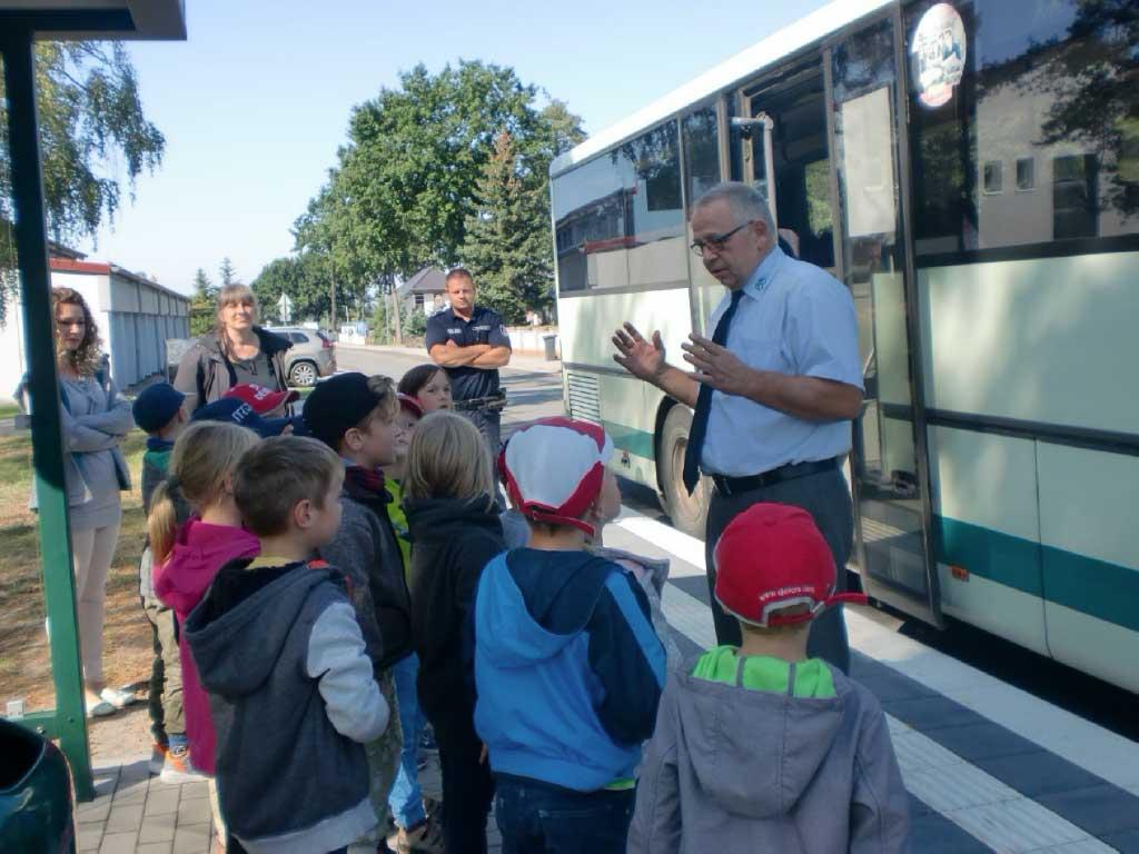 Busschule_zu_Besuch